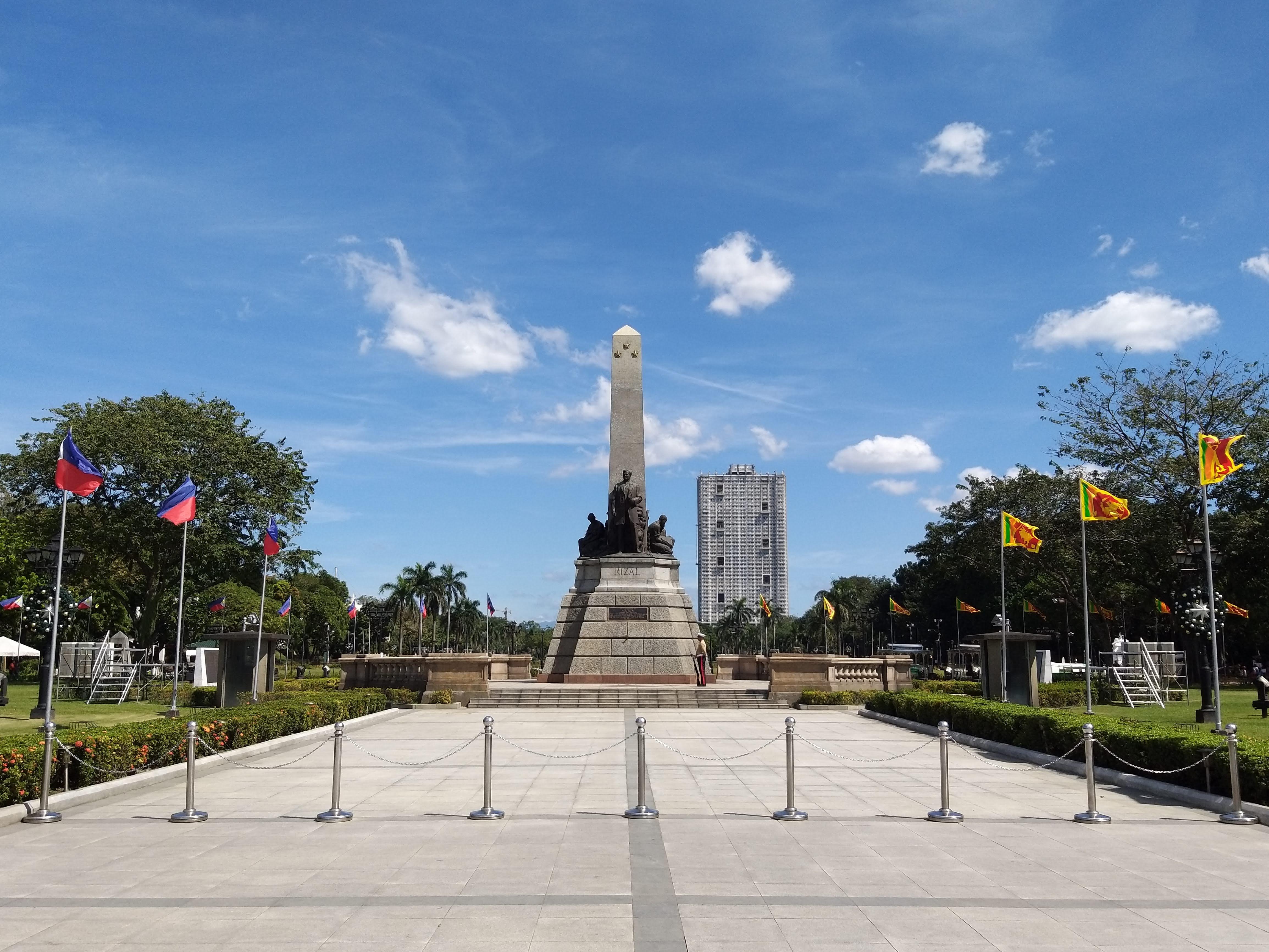 Rizal Park in Manila mit denkmal