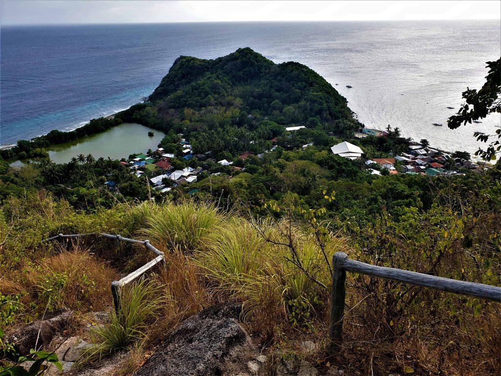 Aussichtspunkt über Apo Island