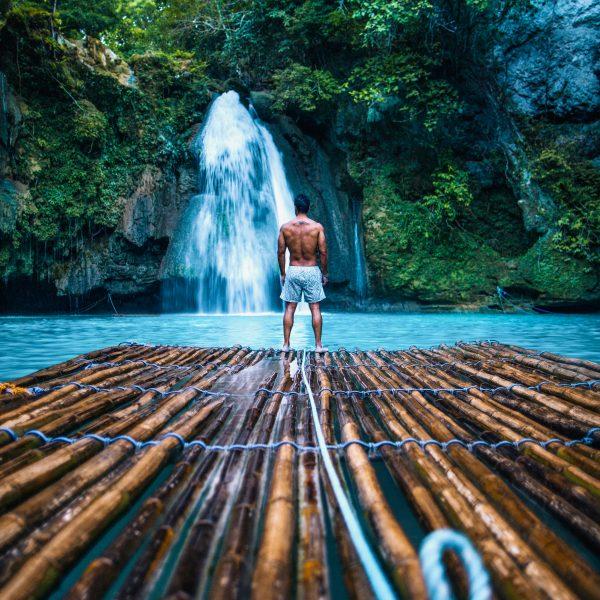 Bambusfloss beim Kawasan Falls in Moalboal auf Cebu- Philippine Department of Tourism ©Jacob Riglin