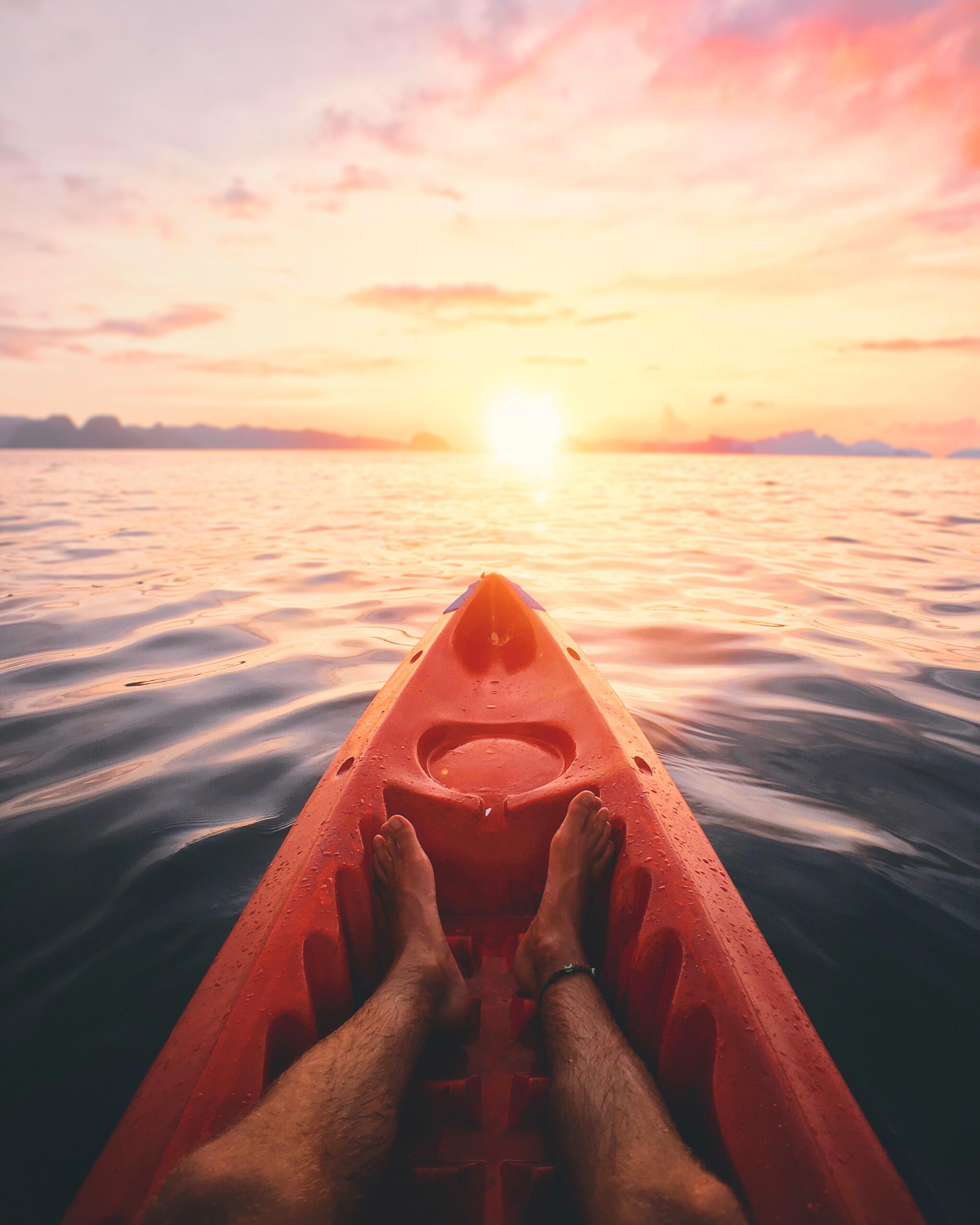 Kayak beim Sonnenaufgang in Palawan - Philippine DOT © James Relf Dyer