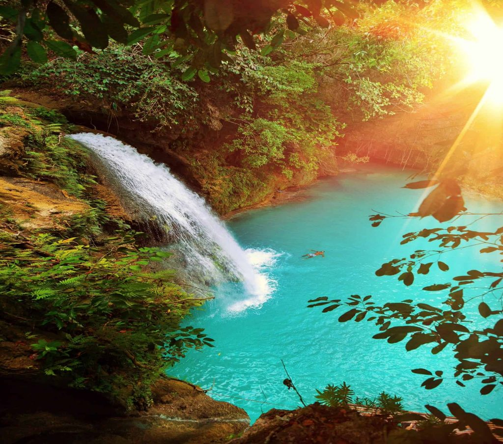 Kawasan Falls Moalboal in Cebu @jacob riglin
