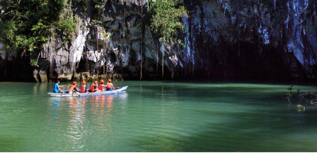 Auf dem Weg zum Unerground River im Subterranean Nationalpark - Philippine DOT ©eric beltran