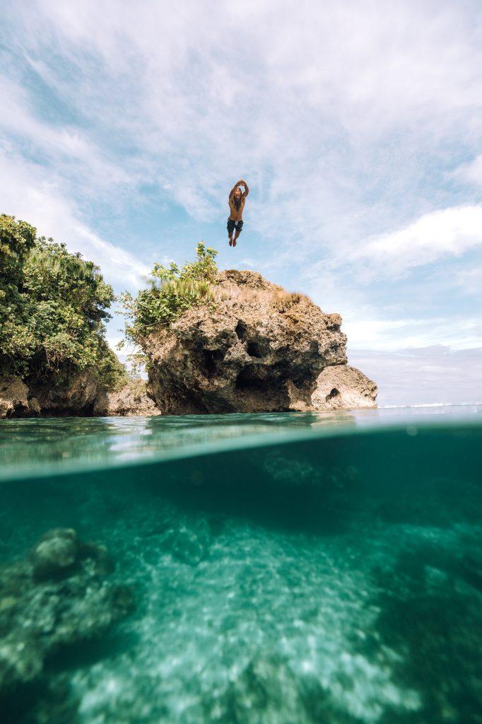 Klippenspringen in Siargao © Philippine Department of Tourism